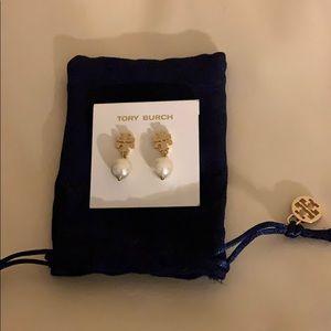 Tory Burch logo earrings with pearls nwot
